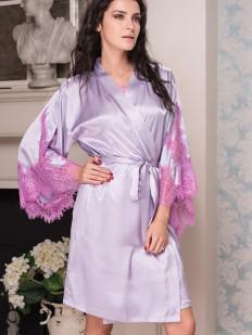 Шелковый женский лавандовый халат с кружевными рукавами