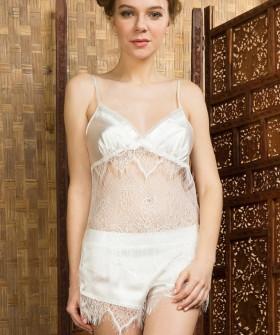 Женская летняя кружевная пижама с атласными шортами