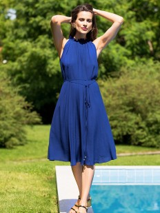 Синее летнее платье из вискозы свободного кроя без рукавов