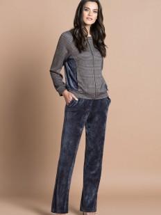 Женский домашний костюм с курткой в клетку и велюровыми брюками