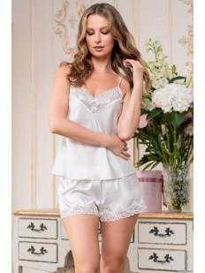 Белая атласная пижама с шортиками и топом на лето