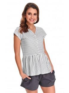 Летняя женская пижама с серыми шортами и футболкой в полоску