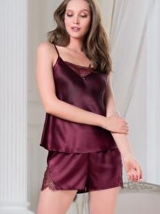 Шелковая бордовая женская пижама с шортами и топом на лето