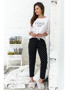 Женская пижама из хлопка: белый лонгслив и черные штаны с сердечками