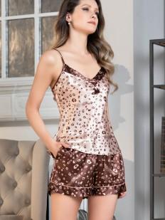 Атласная женская пижама с шортиками и топом в кофейных тонах