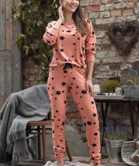 Персиковая пижама с брюками и принтом звезды