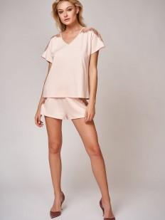 Летняя женская пижама с шортами и свободной футболкой из бамбука телесного цвета