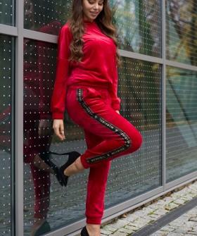 Домашний велюровый женский костюм с брюками и кофтой из хлопка красного цвета