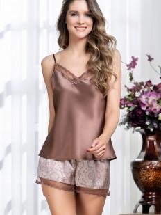 Атласная летняя женская пижама с шортами и топом в цвете капучино