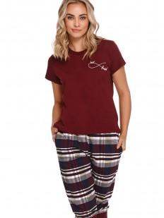 Хлопковая женская пижама с бриджами в клетку и бордовой футболкой