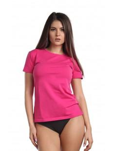 Классическая женская футболка из хлопка малинового цвета