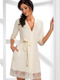 Женский белый халат из вискозы с кружевной отделкой