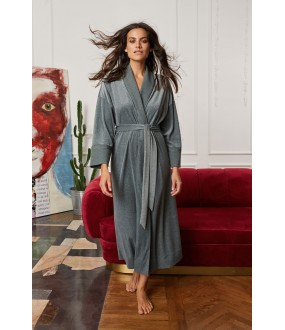 Серо-зеленый длинный уютный женский халат на запахе