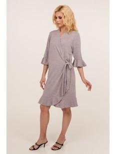 Женский сиреневый домашний халат из вискозы с оборкой на рукавах