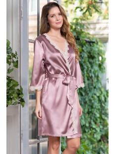 Атласный розовый женский халат с кружевным декором