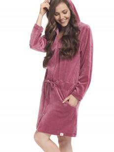 Велюровый розовый женский халат на молнии с капюшоном