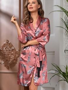 Розовый атласный летний халат на пуговицах с принтом и бахромой