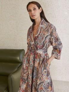 Длинный бежевый женский халат с принтом пейсли