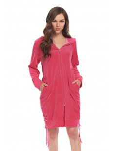 Женский домашний халат на молнии с капюшоном розовый