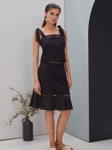 Летняя черная юбка миди с цветочной вышивкой