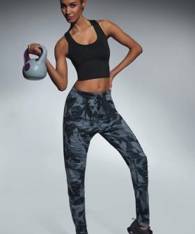 Женские спортивные легинсы для фитнеса свободного кроя