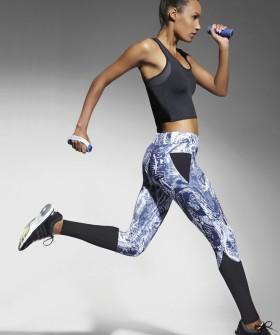 Спортивные женские мраморные легинсы для фитнеса