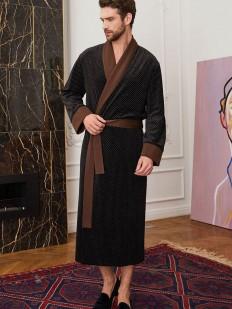Мужской черный халат с коричневым поясом и манжетами
