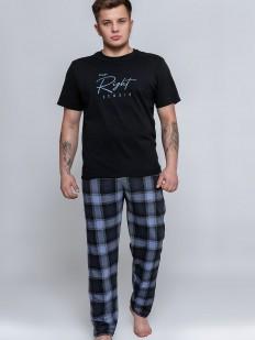 Хлопковая мужская со штанами в клетку и черной футболкой