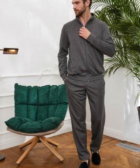 Серые мужские брюки для дома удобного спортивного кроя