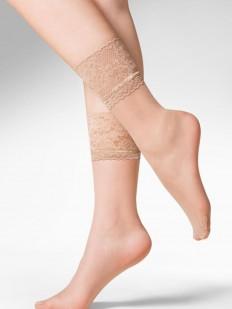 Высокие телесные женские носки с широкой кружевной резинкой