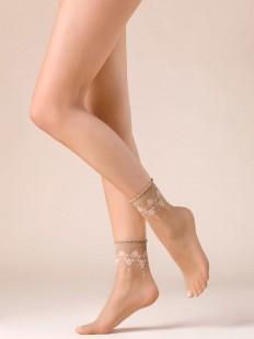Капроновые телесные женские носки с цветочным узором