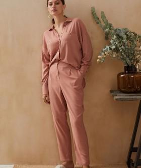 Домашние женские брюки из вискозы в пастельном оттенке