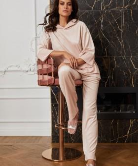 Бежевые женские брюки для дома с карманами
