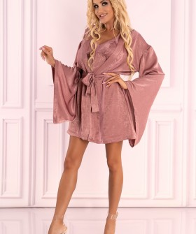Короткий велюровый халат кимоно нежно-розового цвета