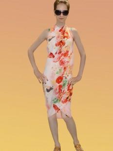 Розовое пляжное парео с ярким цветочным принтом