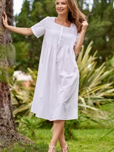 Свободная хлопковая женская сорочка из батиста на пуговицах