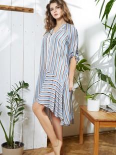 Женское домашнее платье из вискозы в полоску на пуговицах голубое