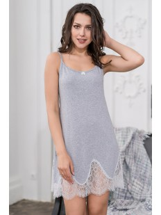 Женская короткая ночная сорочка из серой вискозы с кружевом