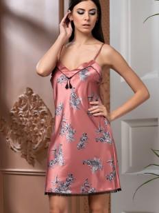 Розовая короткая атласная сорочка с зебрами и черной бахромой