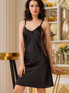 Черная атласная сорочка с кружевной спинкой
