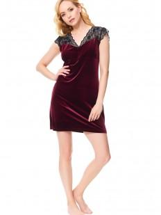 Женская бархатная ночная сорочка короткая в бордовом цвете