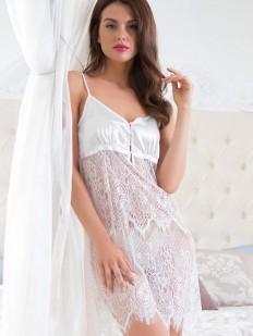 Белая женская кружевная комбинация под платье