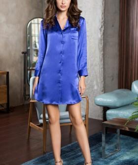 Женская шелковая синяя ночная рубашка сорочка на пуговицах