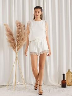 Белая летняя блуза без рукавов с кружевным декором