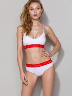 Белый бюст топ с красным поясом в спортивном стиле