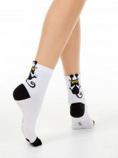 Хлопковые женские носки с озорным рисунком черного котика