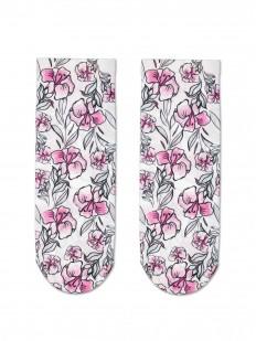 Женские носки с нежным цветочным рисунком