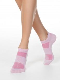 Короткие женские носки с контрастными элементами