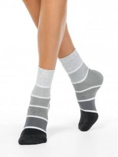 Высокие женские носки из хлопка в градиентную полоску