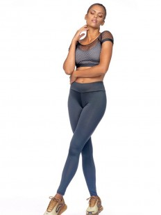 Спортивный серый женский топ с верхней сеточкой черного цвета